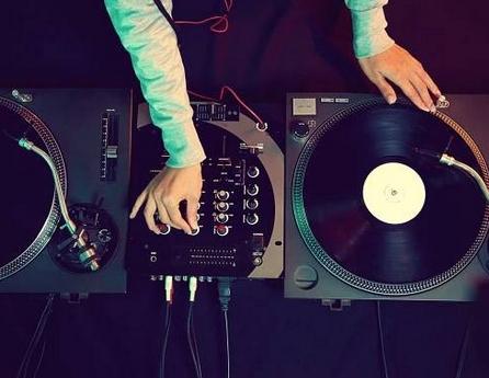 Способы заработка в Интернете на музыке